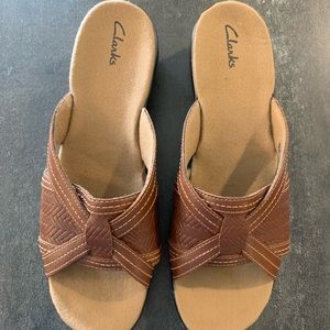 Like new Clarks Leather Slide  Sandals